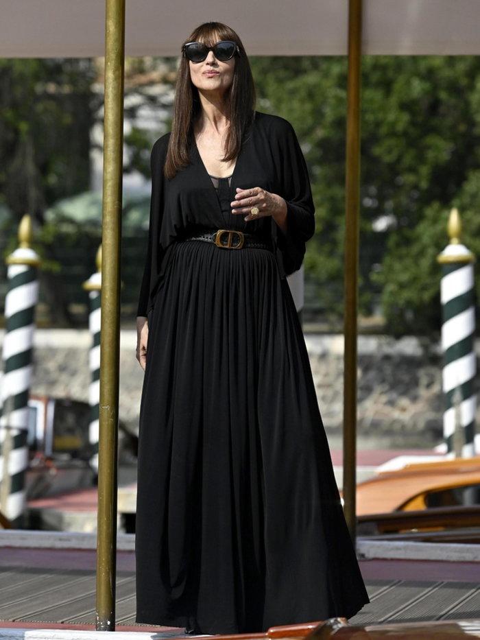 Από την Πάρο στο Φεστιβάλ Βενετίας με Dior και Louboutin η Μόνικα Μπελούτσι