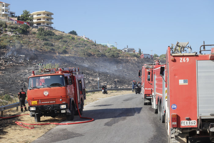 Εικόνες από τη φωτιά στην Πεντέλη - εικόνα 5
