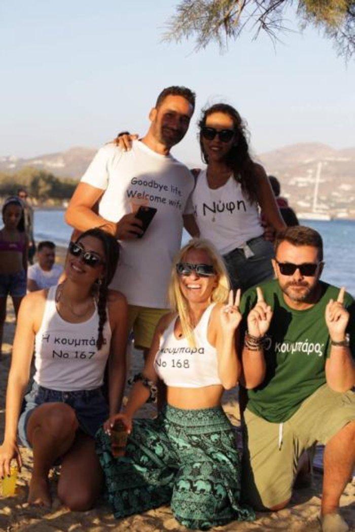 Μαρία Αναστασοπούλου: Έγινε κουμπάρα με τον σύντροφό της στην Αντίπαρο - εικόνα 4
