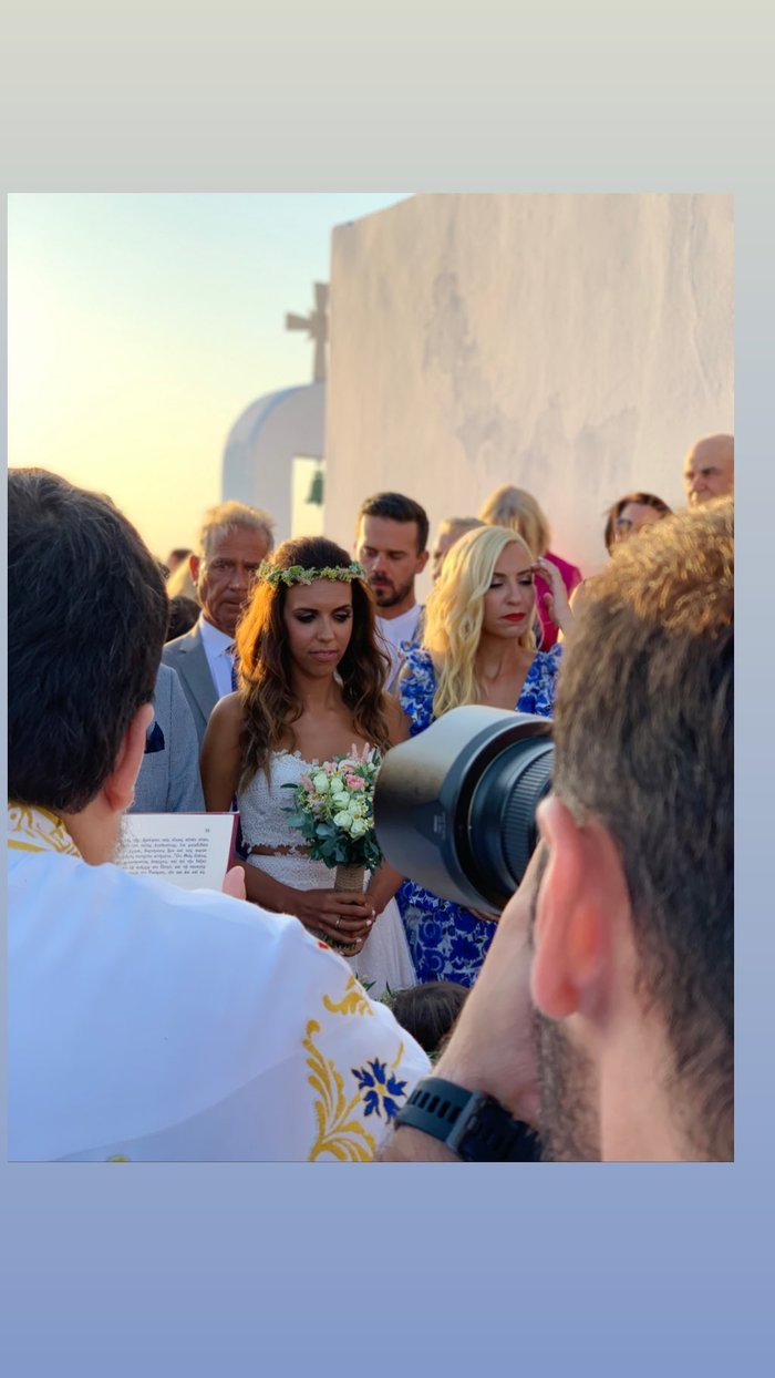 Μαρία Αναστασοπούλου: Έγινε κουμπάρα με τον σύντροφό της στην Αντίπαρο - εικόνα 3