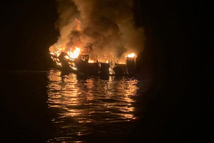 Φωτιά σε σκάφος στα ανοιχτά της Καλιφόρνιας, φόβοι για δεκάδες νεκρούς - εικόνα 3