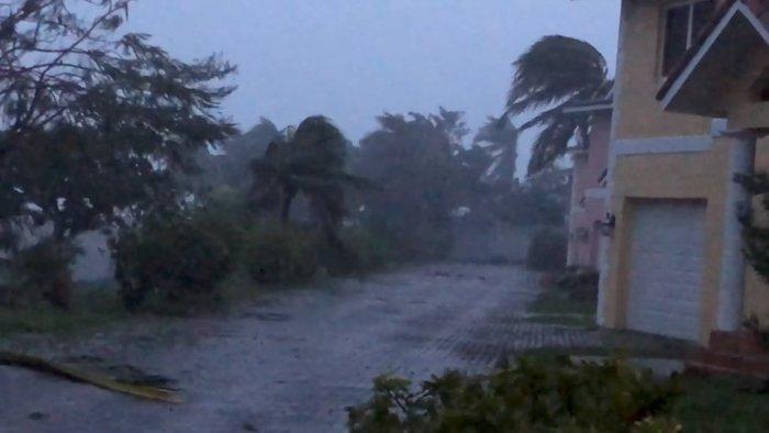 Σάρωσε τις Μπαχάμες ο Ντόριαν - «Καθ' οδόν» για Φλόριντα - εικόνα 2