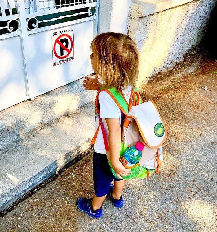 Κατσούλης - Καραβάτου: Δείτε τον γιο τους Αρίωνα την πρώτη μέρα στο σχολείο