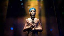Ο νεαρός Φαραώ που σπάει ταμεία στις εκθέσεις σε όλο τον κόσμο