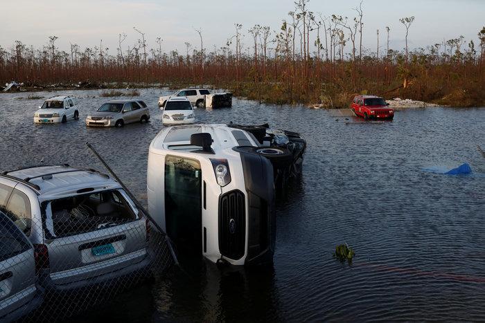Εικόνα ολικής καταστροφής στις Μπαχάμες-20 νεκροί και αγνοούμενοι - εικόνα 6