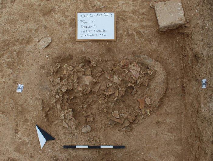 Ταφική πυρά στο νότιο τμήμα του ταφικού μνημείου (350-275 π.Χ.).