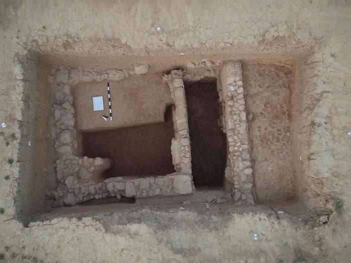 Αρχιτεκτονικά κατάλοιπα στην περιοχή Ζόγερι (κλασική περίοδος).