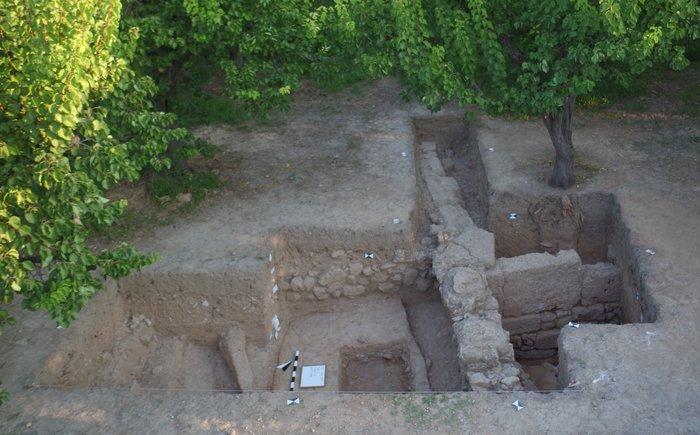 Μνημειακό κτίριο στην περιοχή Χτίρι (κλασική περίοδος).