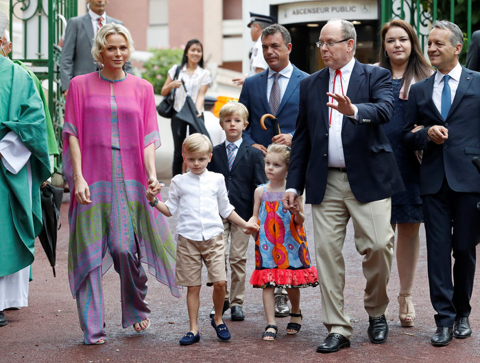 Πρώτη μέρα σχολείο για τα δίδυμα πριγκιπόπουλα του Μονακό [Εικόνες]