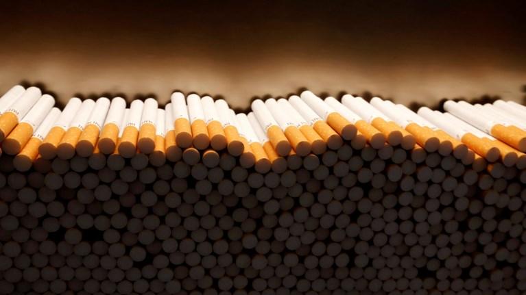 h-british-american-tobacco-apoluei-2300-ergazomenous
