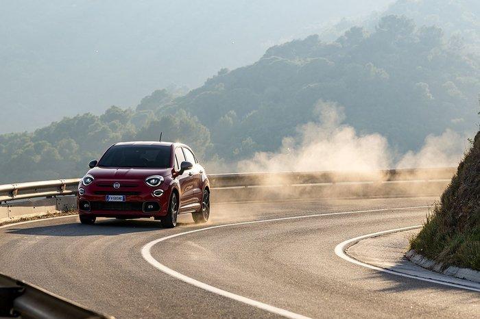 Το Fiat 500X Sport είναι η …σκοτεινή πλευρά του 500X