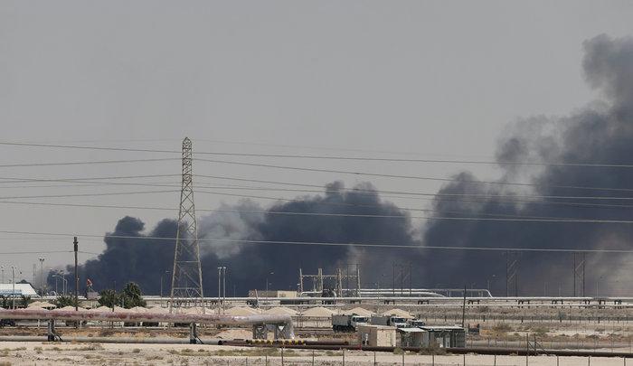 «Φωτιά» στο πετρέλαιο- Με το δάκτυλο στη σκανδάλη κατά του Ιράν ο Τραμπ