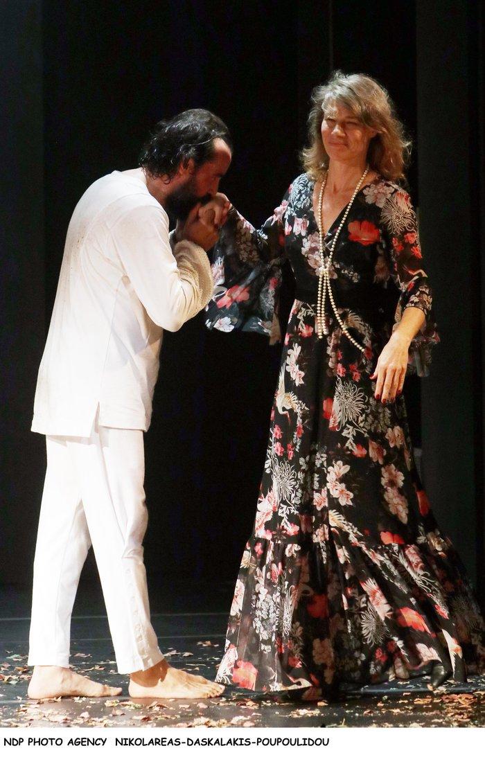 Τάσος Νούσιας: Η σπάνια εμφάνιση με την ταλαντούχα σύζυγο & την κόρη τους - εικόνα 4