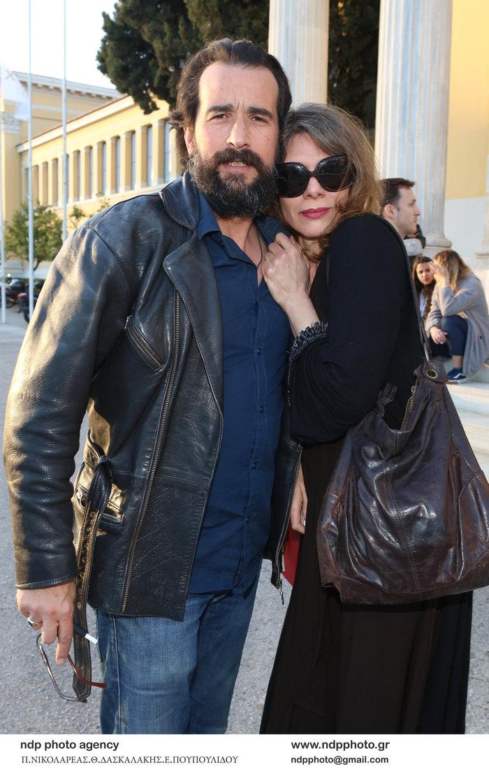 Τάσος Νούσιας: Η σπάνια εμφάνιση με την ταλαντούχα σύζυγο & την κόρη τους - εικόνα 2