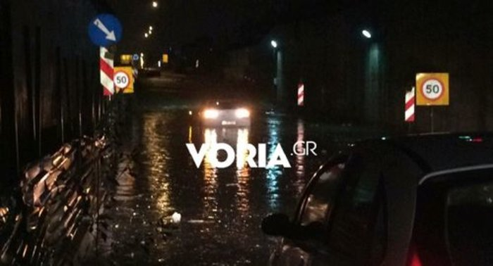 Χαλάζι στα Τρίκαλα, καταρακτώδεις βροχές στη Θεσσαλονίκη - εικόνα 3