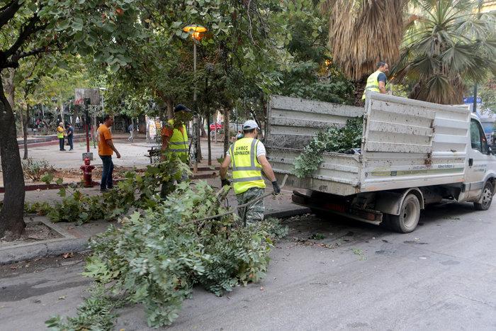 Aπομακρύνθηκε το «ΚΕΠ» των αντιεξουσιαστών από την πλατεία Εξαρχείων (φωτό) - εικόνα 4