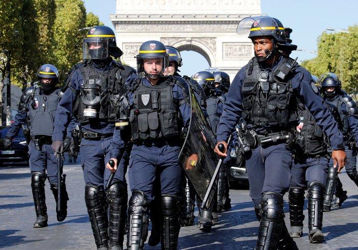 Σάββατο κινητοποιήσεων στο Παρίσι με προσαγωγές και δακρυγόνα