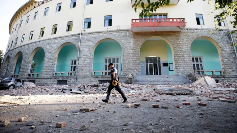 albania-dekades-traumaties-kai-sobares-zimies-se-ktiria
