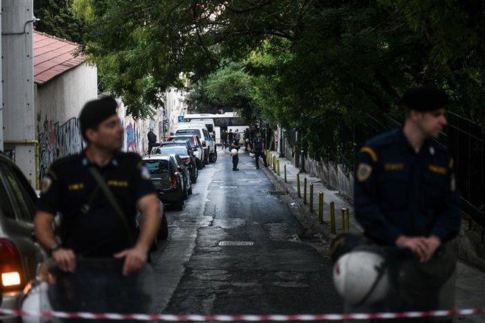Νέα επιχείρηση της Αστυνομίας σε υπό κατάληψη κτίριο (pics&vid) - εικόνα 3