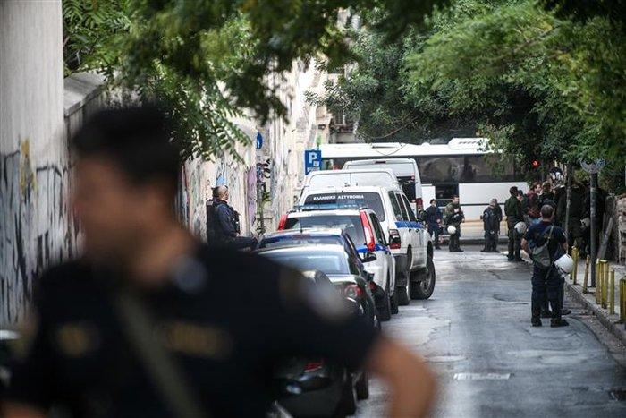 Νέα επιχείρηση της Αστυνομίας σε υπό κατάληψη κτίριο (pics&vid) - εικόνα 4