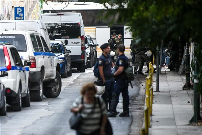 Νέα επιχείρηση της Αστυνομίας σε υπό κατάληψη κτίριο (pics&vid) - εικόνα 6
