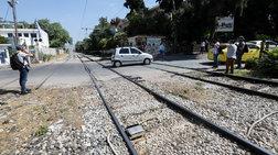 Σύγκρουση τρένου με ΙΧ στο Βόλο