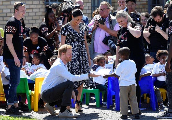 Χέρι - χέρι ο Χάρι και η Μέγκαν στην Αφρική μαζί με τον Άρτσι [Eικόνες] - εικόνα 7