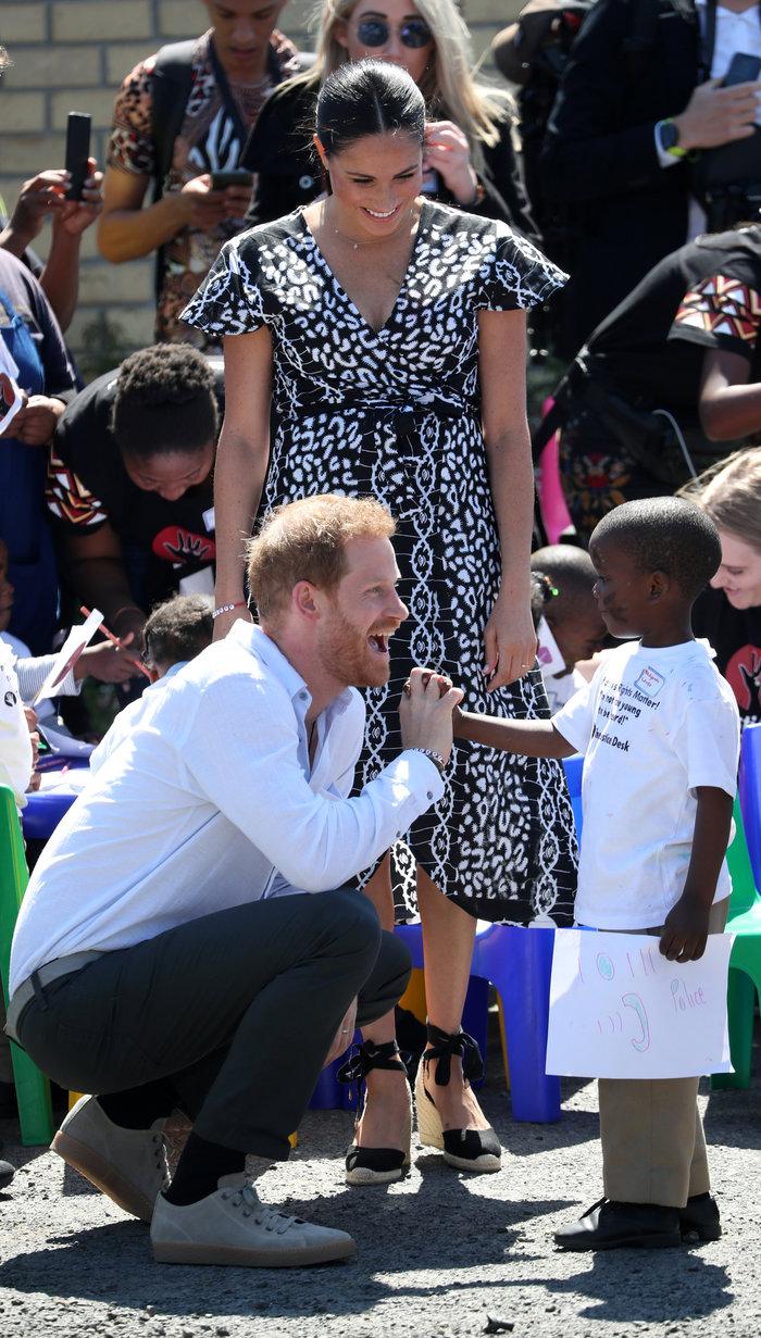 Χέρι - χέρι ο Χάρι και η Μέγκαν στην Αφρική μαζί με τον Άρτσι [Eικόνες] - εικόνα 8