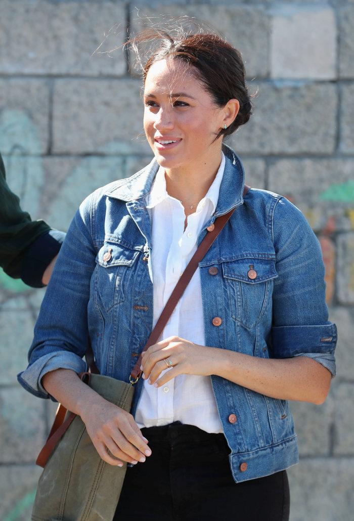 Η Μέγκαν με casual chic look στη βασιλική περιοδεία [Εικόνες]
