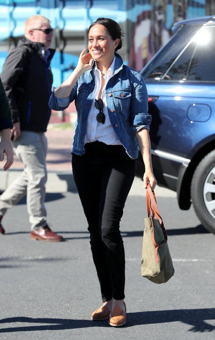 Η Μέγκαν με casual chic look στη βασιλική περιοδεία [Εικόνες] - εικόνα 4
