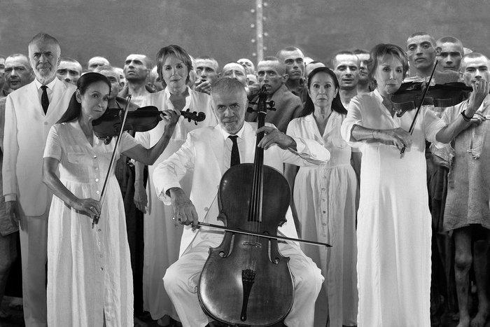 Ο Νίκος Μαστοράκης επιστρέφει με μια τολμηρή παράσταση