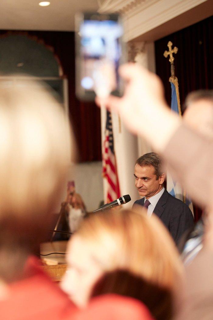 Μητσοτάκης στην Αστόρια: Από το 2023 θα ψηφίζετε στον τόπο διαμονής σας - εικόνα 4