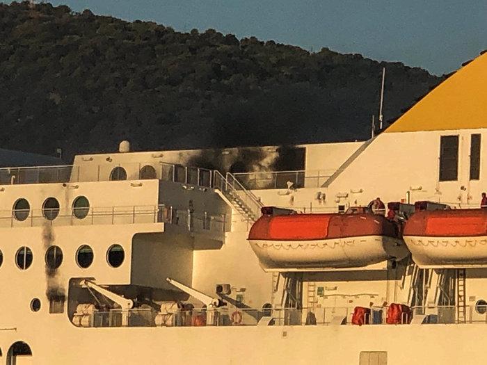 Συναγερμός στην Ηγουμενίτσα: Φωτιά σε πλοίο με 538 επιβάτες - εικόνα 6