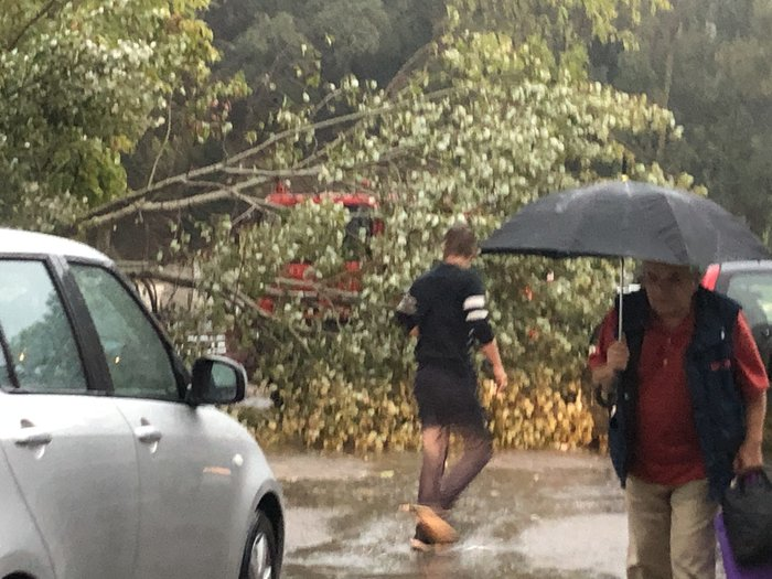 Η κακοκαιρία ξεκίνησε από την Κέρκυρα - Πλημμύρισαν δρόμοι
