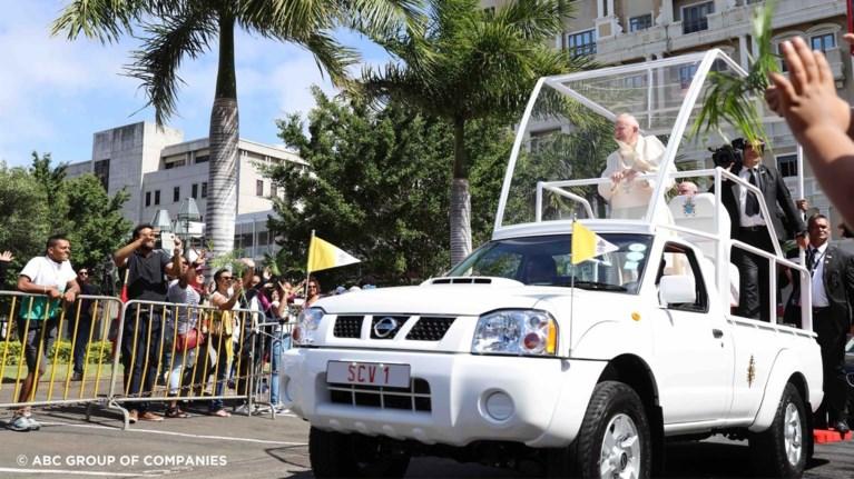 neo-pope-mobile-gia-ton-fragkisko-apo-ti-nissan