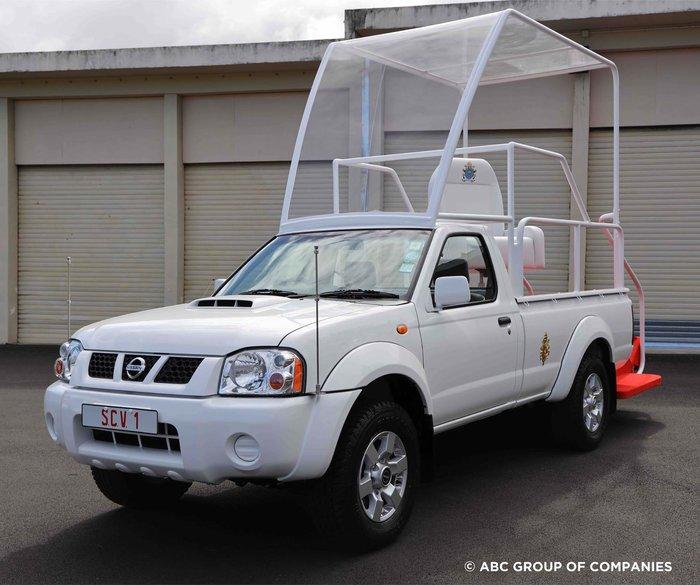 Νέο Pope Mobile για τον Φραγκίσκο από τη Nissan