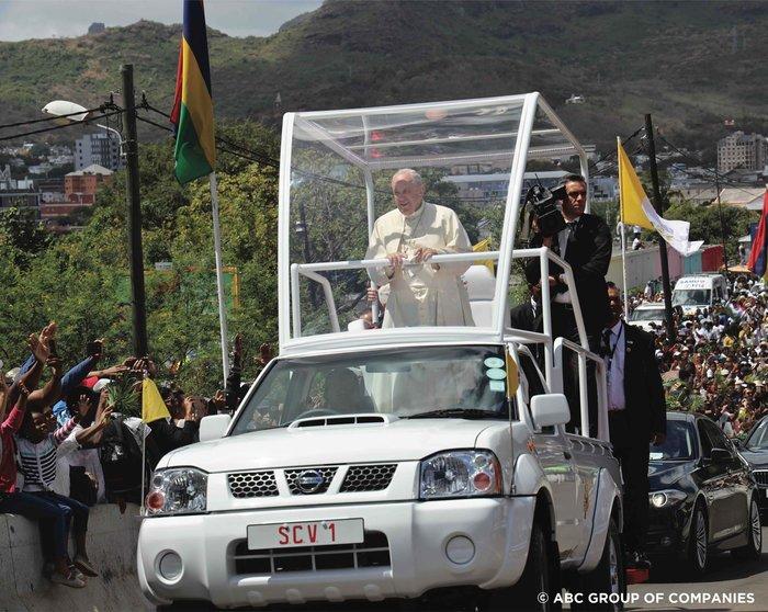 Νέο Pope Mobile για τον Φραγκίσκο από τη Nissan - εικόνα 2
