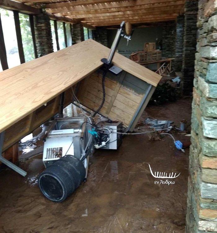 Μενεγάκη - Παντζόπουλος: Μεγάλη καταστροφή στo ξενοδοχείο τους στην Άνδρο - εικόνα 4