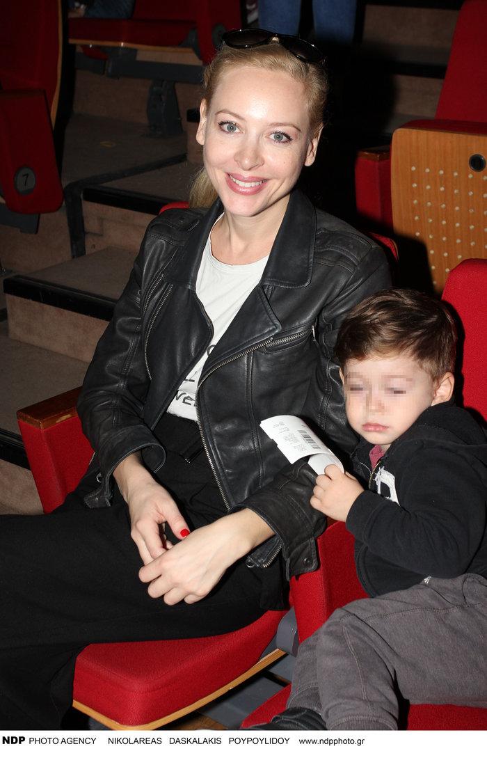 Η Φαίη Ξυλά με τον γιο της Πάρι Γιαννακόπουλο