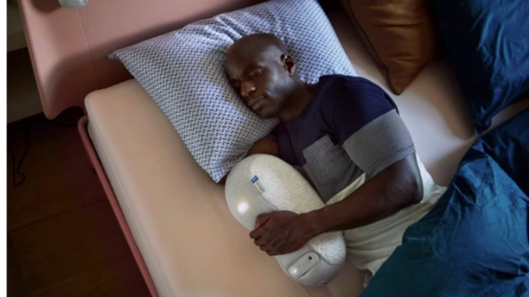 sleep-robot-to-maksilari-pou-uposxetai-lusi-stis-aupnies