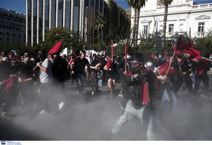 Χημικά και ένας τραυματίας στην πορεία των φοιτητών στην Αθήνα (φωτό) - εικόνα 2