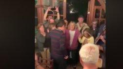 Ο χορός του Τσίπρα σε ταβέρνα στην Αρκαδία (βίντεο)