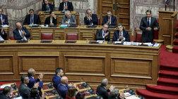 Σκληρή κόντρα Τσίπρα-Μητσοτάκη στη Βουλή με βαριές εκφράσεις