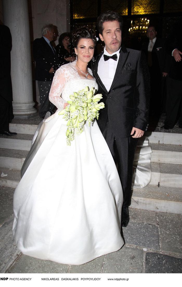 Όταν ο Χάρης παντρεύτηκε την μελαχρινή Αντελίνα: Δείτε τους ως γαμπρό -νύφη - εικόνα 4