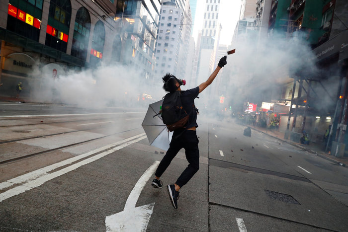 Νέα επεισόδια στο Χονγκ Κονγκ σε αντικυβερνητική συγκέντρωση - εικόνα 2