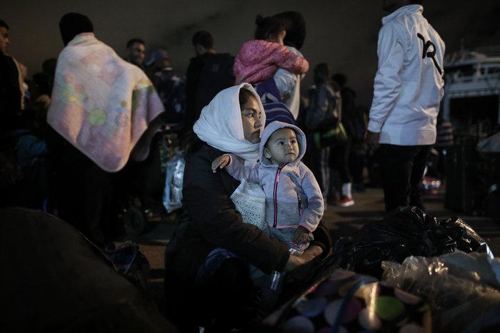 Στον Πειραιά 197 πρόσφυγες, αντιδράσεις στην ενδοχώρα - εικόνα 2
