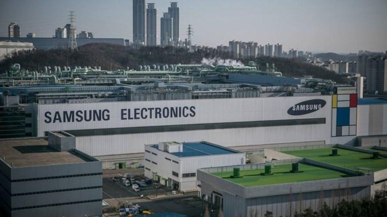 h-samsung-electronics-giortazei-50-xronia-me-to-blemma-sta-erxomena-50