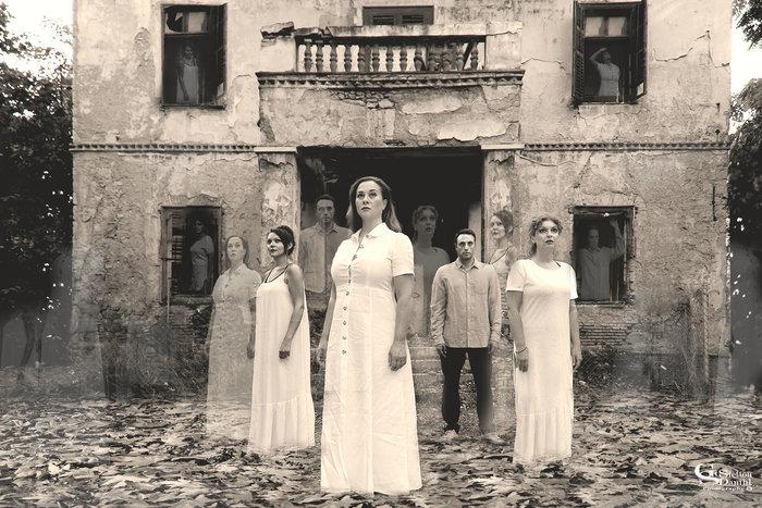 Το κτίριο: μια παράσταση στο ιστορικό Μερόπειο της Ακρόπολης