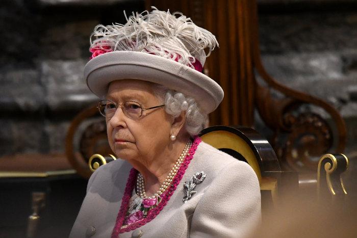 Τα μοχθηρά σχέδια της «δολοπλόκας» βασίλισσας και η ζημιά στο παλάτι