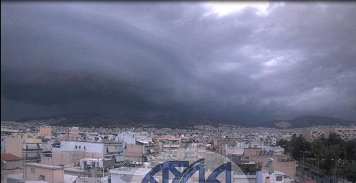 Meteo: Εντυπωσιακές εικόνες του self cloud πάνω από την Αττική - εικόνα 2
